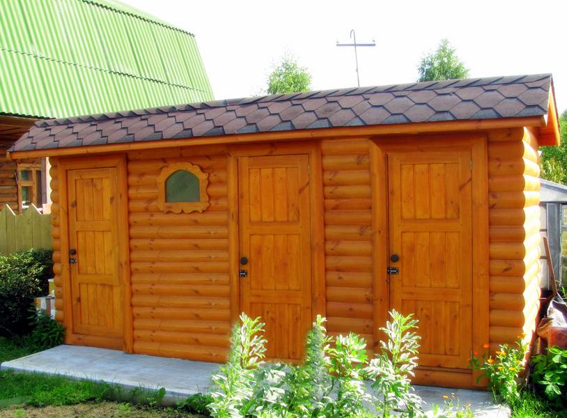 Туалет и сарай под одной крышей